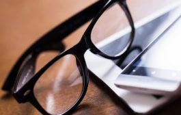 A látás javítása divatos szemüvegekkel