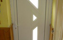 Új bejárati ajtó? Ezért előnyös a műanyag nyílászáró