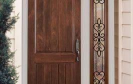 Meghitt és természetes megjelenés: válassza a fa bejárati ajtót!