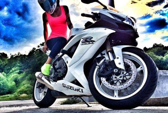 Dinamikus közlekedés Suzuki-motorral!